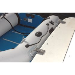 INFLATABLE BOAT DAVIT ON SWIM STEP