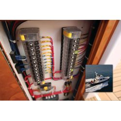 Diagram of Blue Sea Systems ST CLB Circuit Breaker Blocks - with Independent Source Terminals