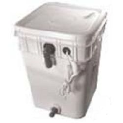 Electro Scan 4 Gallon Salt Feed Tank 31-3002